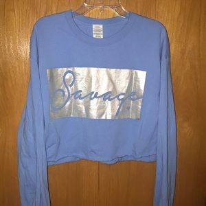 Graphic cropped long sleeve shirt
